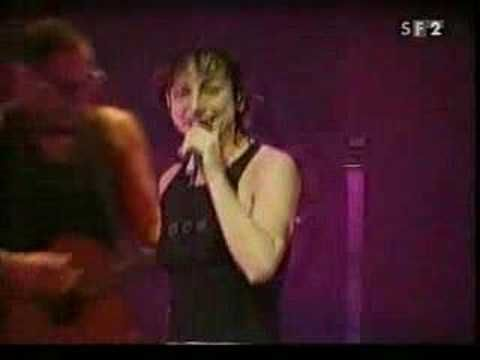 Gianna Nannini, Basel 2002 10 - I maschi - YouTube