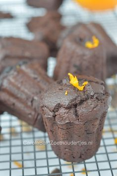 creamy chocolate cupcakes with nutritious chickpea a recipe of Rens Kroes