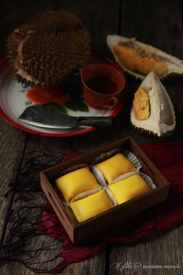masam manis: Durian Crepe with custard filling yummeh!!