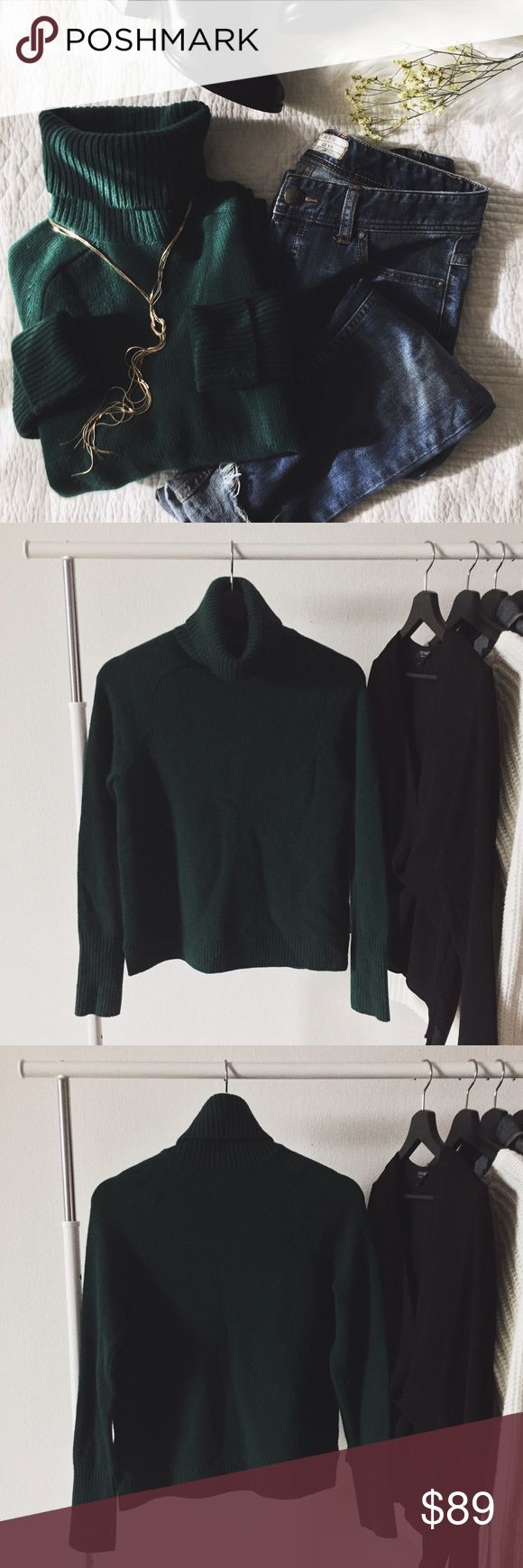 """ᴊ. ᴄʀᴇᴡ ʜᴜɴᴛᴇʀ ɢʀᴇᴇɴ ᴛᴜʀᴛʟᴇ ɴᴇᴄᴋ NWT hunter green turtle neck from J. Crew. Such a beautiful sweater to add to your closet! I personally think this sweater is perfect for the holidays. Awesome piece to layer with and has a comfortable stretch to it.  ‣50% ᴡᴏᴏʟ, 30% ɴʏʟᴏɴ, 15% ᴄᴀsʜᴍᴇʀᴇ ‣ʟᴇɴɢᴛʜ: ᴀʙᴏᴜᴛ 22 1/2"""" ‣ʙᴜsᴛ: 35""""   ✨Pet friendly home ✨Please feel free to ask any questions! ✨Reasonable offers are welcomed ✨Bundle to save more! J. Crew Sweaters Cowl & Turtlenecks"""