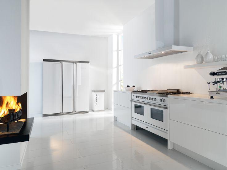 Keukenapparatuur van #Boretti kan desgewenst in iedere kleur uitgevoerd worden. Hier afgebeeld is de apparatuur in het wit (foto: Boretti Nederland)