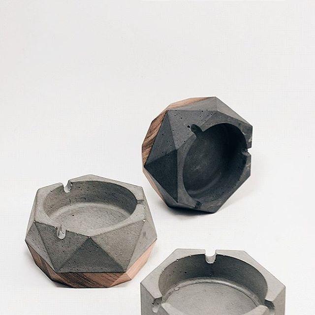 Sebat #concrete & #wood #ashtray #concreteporn taken by @pesarps & @sejelas_