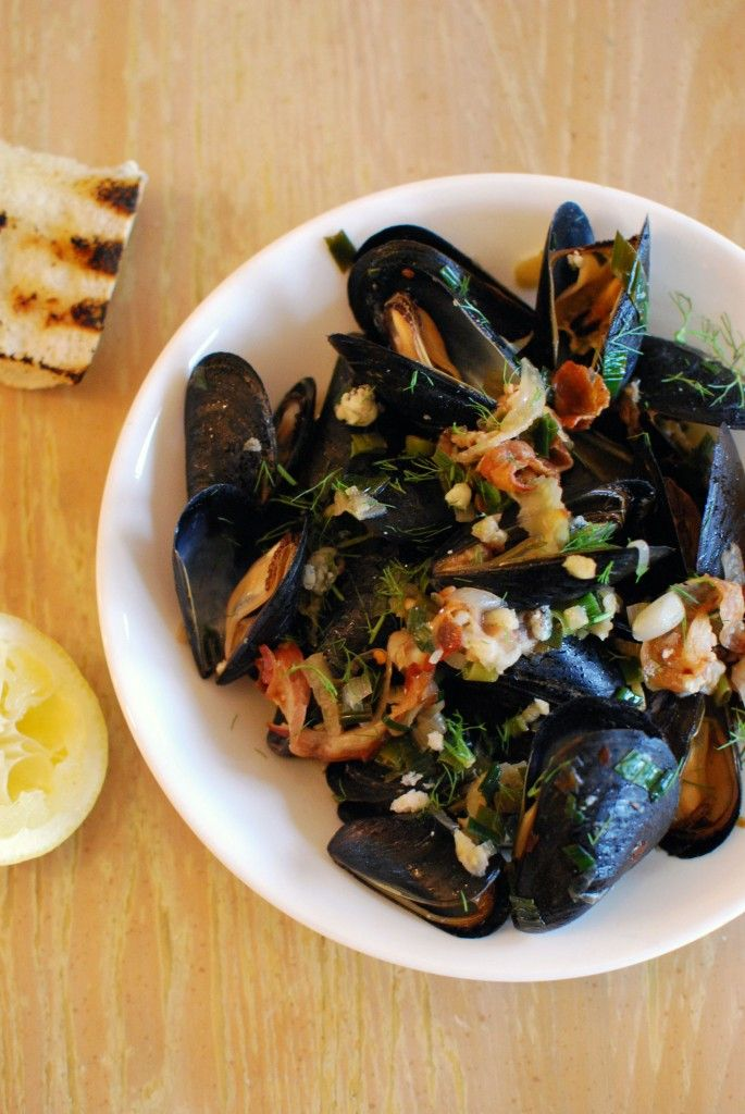 Steamed Mussels with Bacon & Blue Cheese | food and spirits :o) | Pin ...