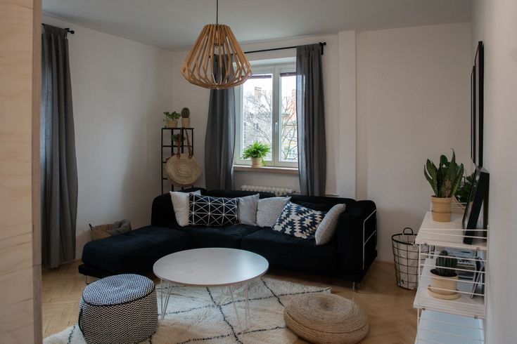Cozy living room featuring our Fix Coffee legs and round table top.