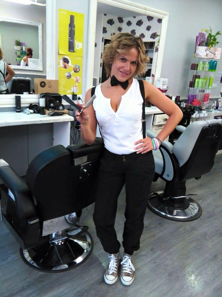 Female barber barberette barber pinterest coiffeurs for Salon de coiffure sexy