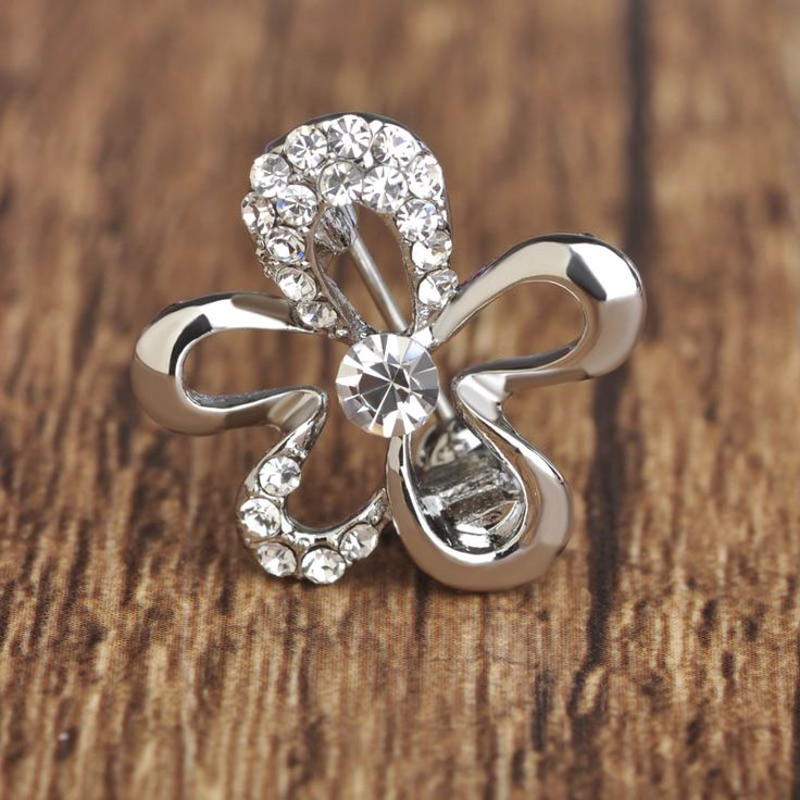 Blucome Brand Crystal Ouro Gold Paved Wedding Brooch Corsage Small Flowers Brooches Women Dresses Shirt Decorations Pins Jewelry