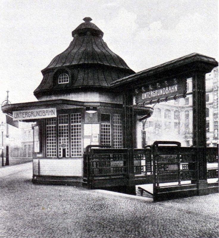 Der ungewoehnliche U-Bahn-Eingang am Hausvogteiplatz ca.1910