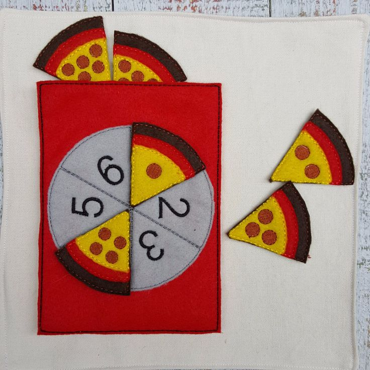 Time to count the pizza toppings! Designed in bright colors, it is perfect to entertain your little one on the road, in church, in waiting rooms, etc…particularly useful when you need your child to si