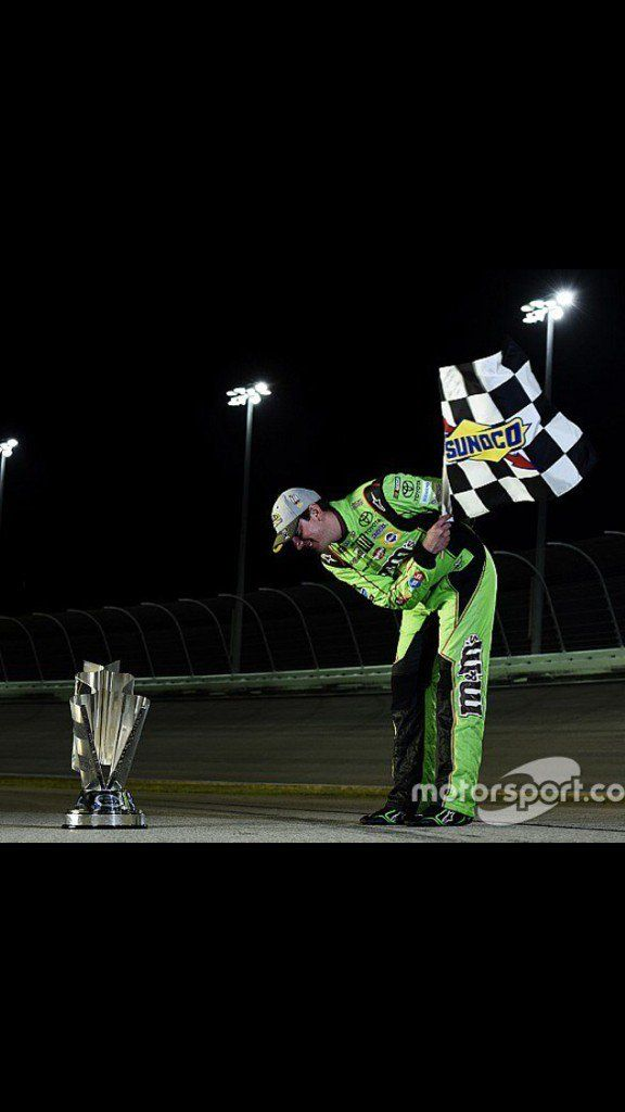 Hey aKimWallace_36 Here is why you like @KyleBusch When they BOO just BOW via @Kenny_Wallace