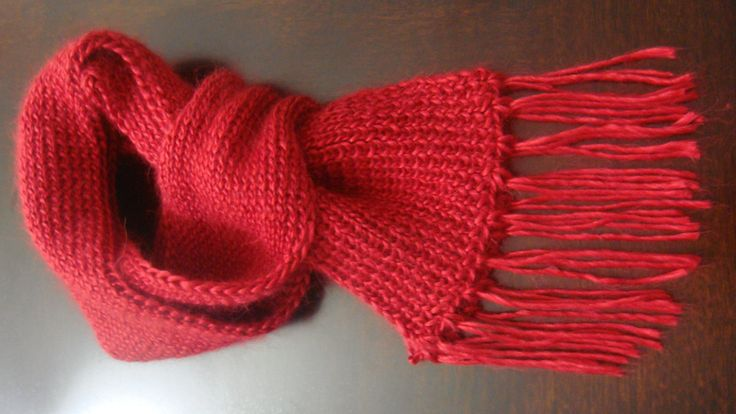 Luxurious handmade scarf ! 50% baby alpaca and 50% mulberry silk. Red ruby solid color