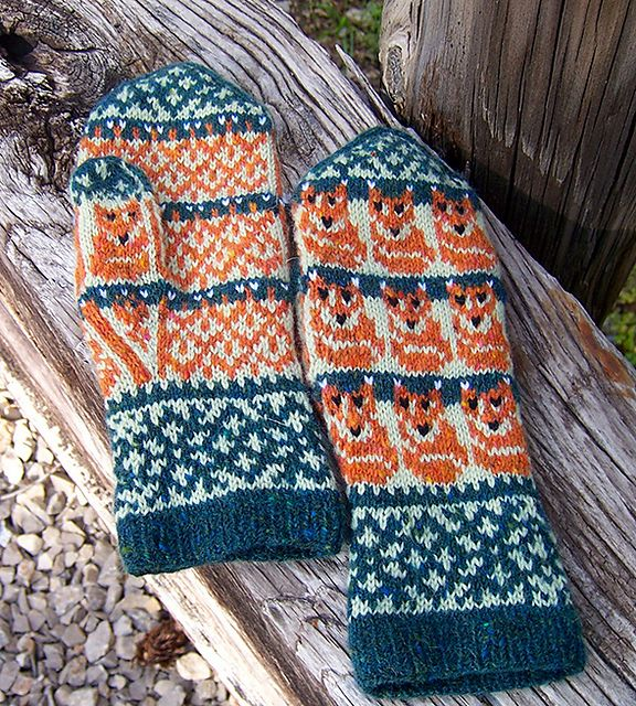 Ravelry: Tiny Foxes Mittens pattern by Natalia Moreva