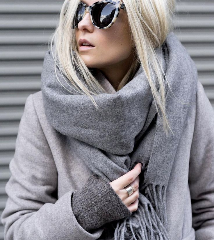 Chic Style - grey coat & scarf, winter outfit inspiration