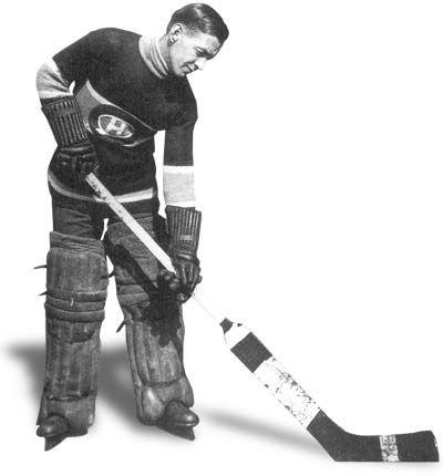Georges Vézina : Lorsque le Temple de la renommée du hockey fut établi en 1945, George Vézina fut l'un des 12 premiers élus. Vézina aura fait partie des Canadiens de Montréal 16 longues années, soit de 1910 à 1926.