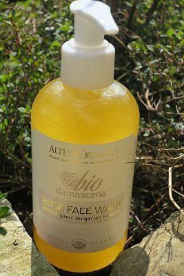 ALTEYA ORGANICS Organiczny żel do mycia twarzy Bio Damascena- 250 ml