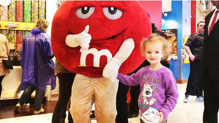 Огромный магазин MMдемс M&M'S Много конфет Подарки Huge store M&M'S Cand...