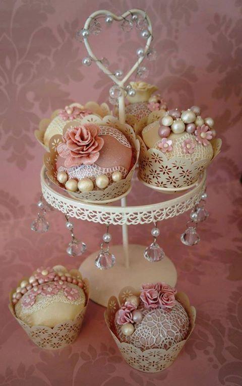 Barn Owl Eye Candy — Beautiful lacy cupcakes