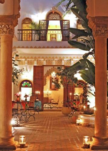 Riad Oudaya - Doté d'un toit-terrasse donnant sur la médina de Rabat et sur lequel le petit-déjeuner est servi gratuitement tous les jours, le Riad Oudaya se trouve à seulement 10 km de l'aéroport de Rabat-Salé. Adresse Riad Oudaya: 46 Rue Sidi Fateh 10030 Rabat