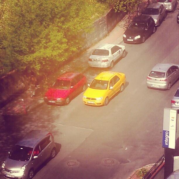 Sarı, kırmızı - @yagizgonuler - #webstagram