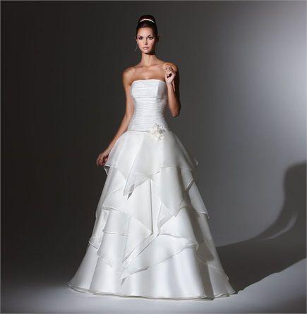 Abiti da sposa per il 2015 - White Wedding Dress #Bride #Bridal #Inspiration