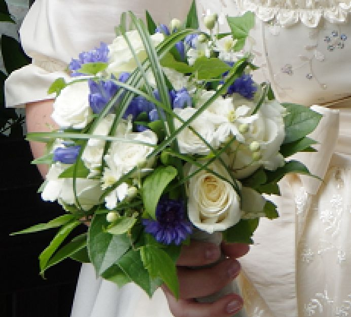 Hochzeitsstrau  blau wei  Kornblumen und Rosen  Danke