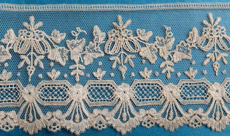 This is a good length of beautiful, fine, 19th century Brussels applique lace border. It measures 109 ins x 3.2 ins. Mid ivory colour. Good crisp unused condition. | eBay!