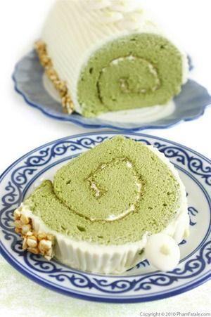 抹茶ロールケーキは、苦味だけじゃなくて甘みがふわぁ〜と広がる。|美味しそうなスイーツ・ケーキ写真日記