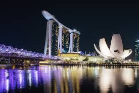 Lived in Singapore for a year in 1982 and have been back to my second home many times. I love this beautiful, clean city!