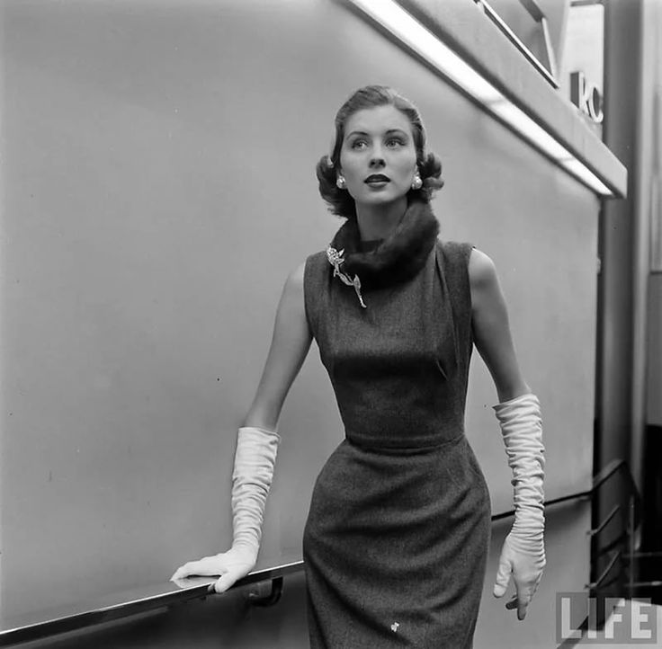 платья 1940-1950-х годов: 12 тыс изображений найдено в Яндекс.Картинках