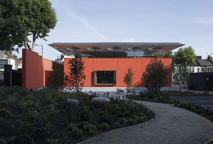Maggie´s Centre, London [2008] | Rogers Stirk Harbour + Partners --- Community, Healthcare, Non-institutional, Photograph, Exterior, Context