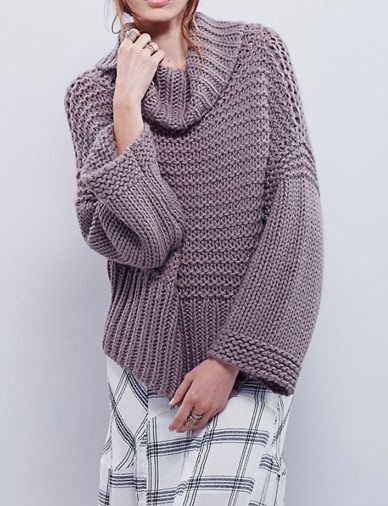 Fashion Turtleneck Oversized Sweater in Flare Sleeve - Clothing.net #WomenSweaters #CheapSweaters #OversizedSweaters #StylishClothing #fashion