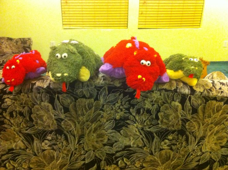 My dragon pillow pets (; Love the picture & The pillow Pet ...