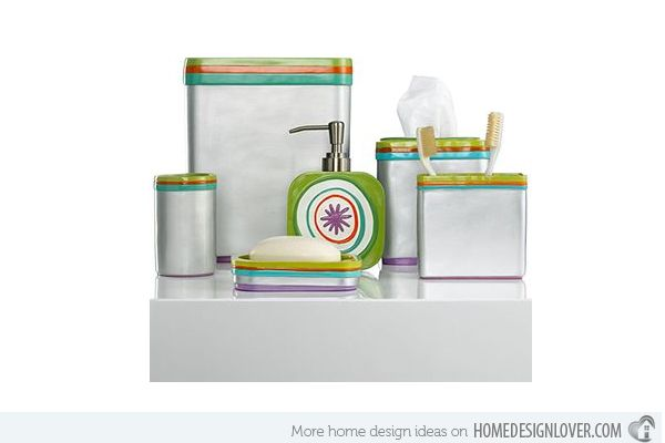 Creative green bath accessory sets http://www.jambic.com/7-eye-catching-bath-accessory-sets/