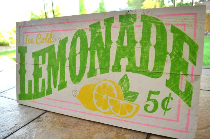 Burton Avenue: Old-Fashioned Lemonade Sign. Perfect decoration for in a southern kitchen!
