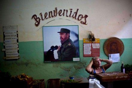 En sólo cinco años, Cuba logró eliminar la transmisión del virus del VIH-Sida y de la sífilis de madre a hijo y, con ello, se convirtió en el primer país del mundo en recibir la validación correspondiente de la Organización Mundial de la Salud (OMS), informó la agencia Efe.