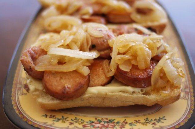 Salsiccette alle cipolle - La ricetta di Buonissimo
