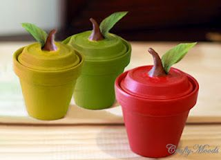 Cute little apple containers using clay pots! #DIY