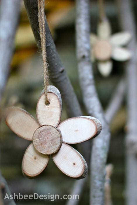 AshbeeDesign.com Wood Flowers made out of thin wood slices - I bet that they smell good, too!