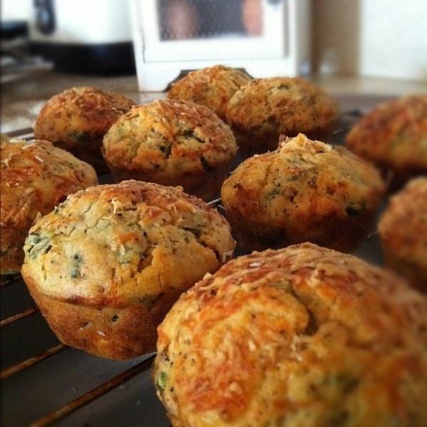 Spinach, feta and tomato savoury muffins  www.chillimarmalade.com