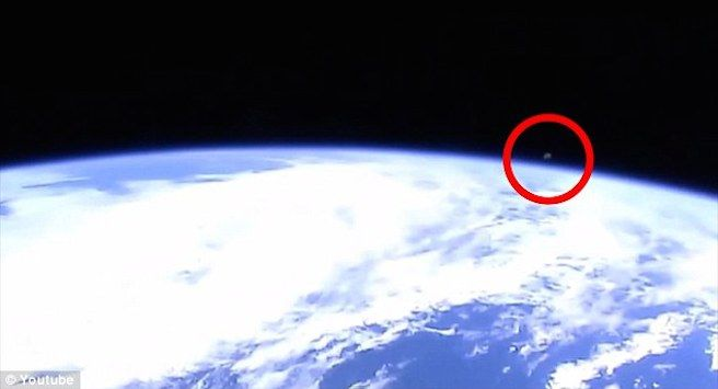 Is NASA Hiding Alien Life? Live Footage Cutted When UFO Appeared - http://go.shr.lc/1DMelWT
