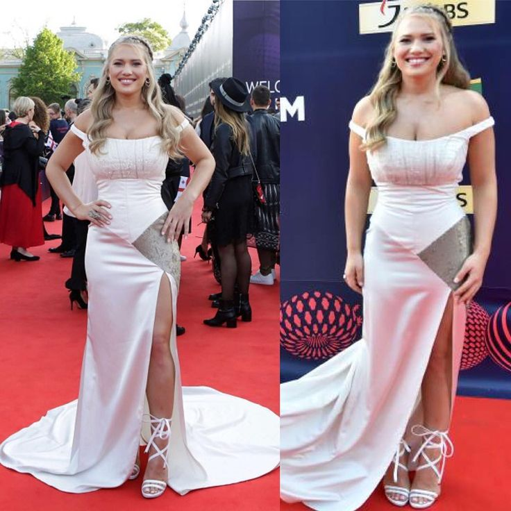 Danish singer Anja Nissen (@anjanissen ) attends the red carpet of the 2017 Eurovision Song Contest in Kiev #shoes #hair #dress #makeup #photo #instalike #beauty #redcarpet #night #event #awards #song #instadaily #beautiful #famous #fashion #style #celebrity #glamour #instagood #smile #moda #eurovision2017 http://tipsrazzi.com/ipost/1510812256509375752/?code=BT3e74fjDUI