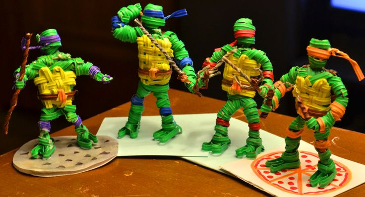Just because these are the *only* Ninja Turtles I've ever seen made out of twist-ties doesn't mean they can't also be the best! Nicely done Deviantartist JustJake54.