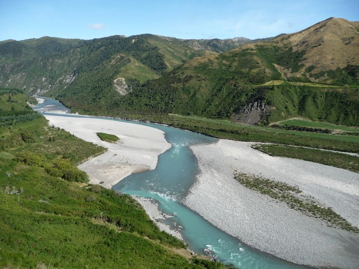 Waiau River, seen from the Lewis Pass, not far from Hanmer Springs
