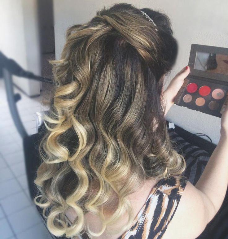 Penteado para cabelo longo meio preso com ondas, ideal para festas,  formaturas e casamentos durante o dia ou a noite. Por Luana Cavalcante (@luanacavalcantemakeup)   Ver esta foto do Instagram de @luanacavalcantemakeup • 49 curtidas