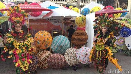 Keseruan Paviliun Indonesia Di Festival Payung Thailand - http://darwinchai.com/traveling/keseruan-paviliun-indonesia-di-festival-payung-thailand/