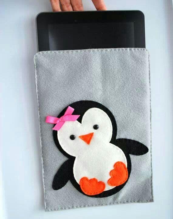 Funda en fieltro con pingüino