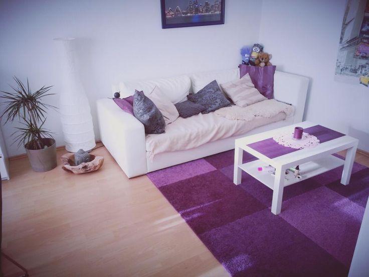 WG-Zimmer mit lila Teppich WG in Hamburg Altona-Nord