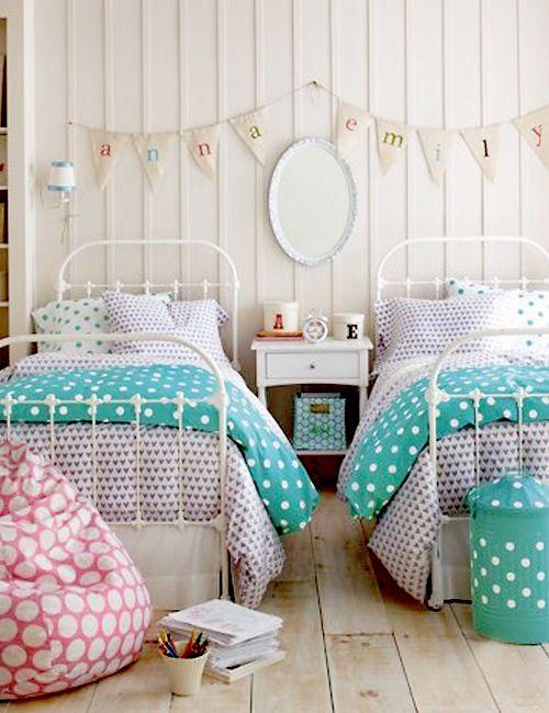 ChicDecó: 10 dormitorios con camas de hierro vintage10 pretty bedrooms with vintage metal beds