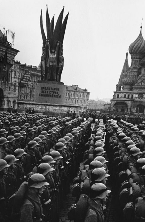 Russian troops assemble in Red Square, Moscow, 1940.