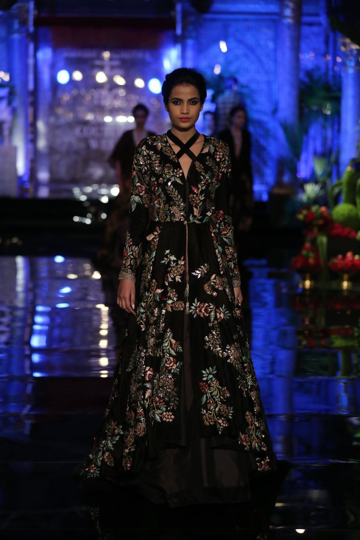 #Black#Florals#Intricacy#Contemporary#Tailormade#Silhouettes
