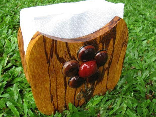 Уникальная деревянная подставка для салфеток